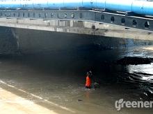 Banser_Pasuruan_Libatkan_Warga_Bersihkan_Sungai_Langganan_Banjir_06