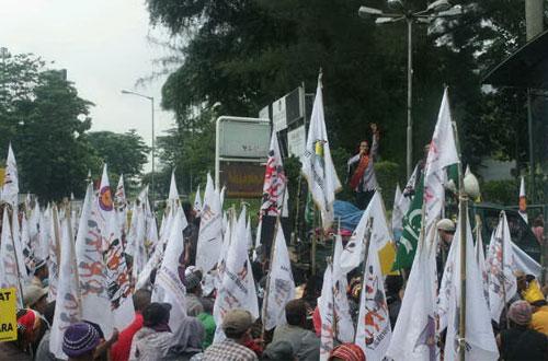 Demonstrasi Dukung Hak Warga Adat di Tanah Adat