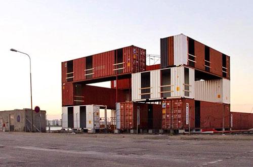 Peti kemas berumur 10-14 tahun digunakan dalam proyek Cargotektur untuk dijadikan Unionkul. Foto: inhabitat.com