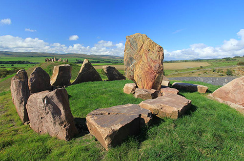 Di Crawick Multiverse, batu, tanah, dan tanaman disusun sedemikian rupa menyerupai replika angkasa. Foto: inhabitat.com