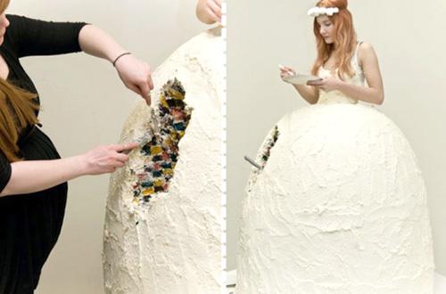 Lukka Sigurdadottir membuat gaun pengantin dari kue. Foto: ecouterre.com