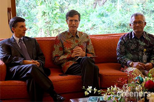 Duta Besar AS untuk Indonesia Robert Blake (tengah). Foto: greeners.co/Danny Kosasih