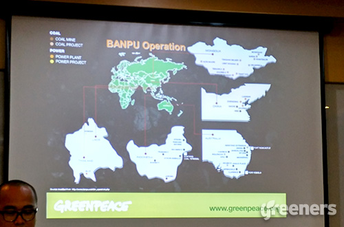 Greenpeace Indonesia menyatakan konsesi grup Banpu di Kalimantan Timur hingga saat ini telah mengubah bentang alam, dari hutan dan lahan pangan menjadi danau-danau bekas tambang yang terbengkalai. Foto: greeners.co/Danny Kosasih