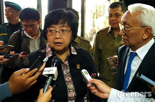 Menteri Lingkungan Hidup dan Kehutanan Siti Nurbaya Bakar. Foto: greeners.co/Danny Kosasih