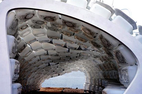 """""""Cricket Shelter"""" dapat menampung lebih dari 22.000 ekor jangkrik. Jangkrik mulai banyak diolah menjadi bahan makanan karena kandungan gizinya yang cukup baik. Foto: Terreform/Inhabitat.com"""