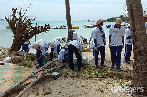 gerakan bersih pantai