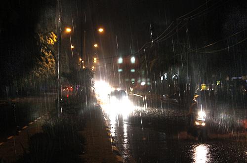 hujan lebat