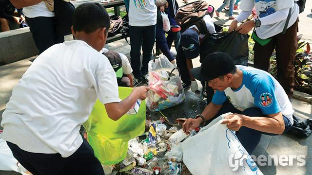 clean up jabar day