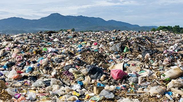 Kondisi Penumpukan Sampah Plastik Tercampur