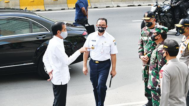 Presiden Joko Widodo dan Gubernur Anies Baswedan