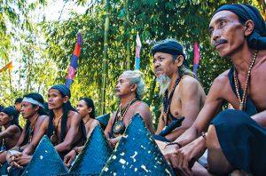 Suku Dayak Losarang