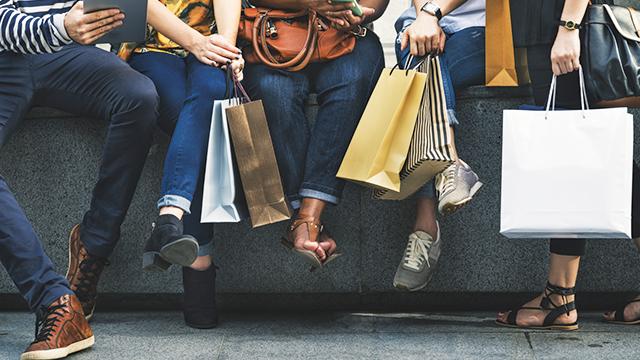 Mengenal 'Fast Fashion' dan Imbasnya pada Lingkungan Hidup