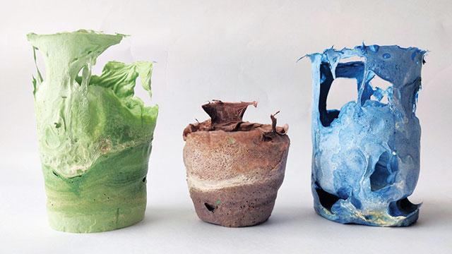 Vas bunga dari puntung rokok