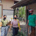 Warga Desa Buleleng mendapat pendampingan pemilahan sampah