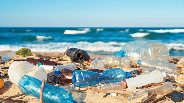 Timbulan sampah kemasan plastik